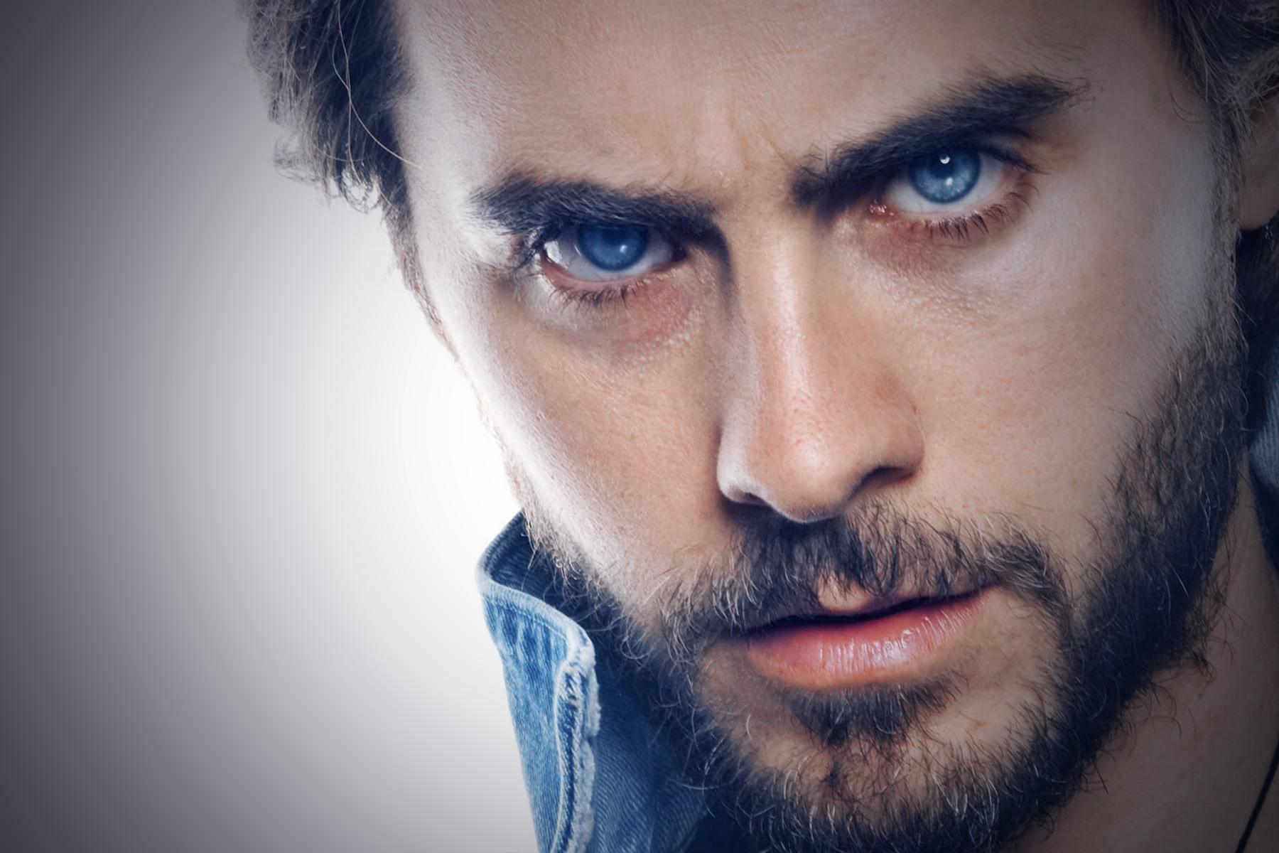 глаза фото мужчин голубые