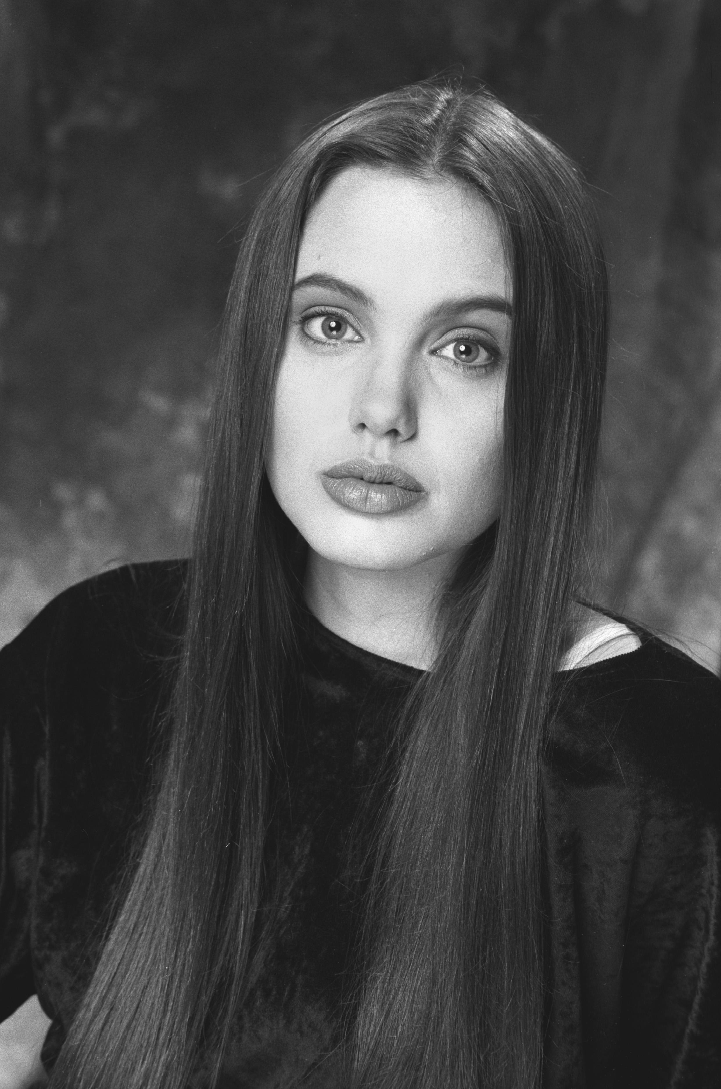 Анджелина Джоли (Angelina Jolie) биография, фото, личная ...
